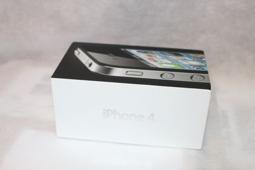 Iphone 4 box only Original with 3 pin charging plug and earphone
